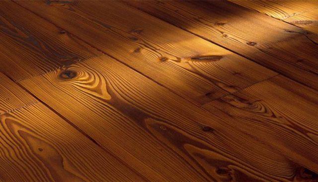 деревянный пол в доме