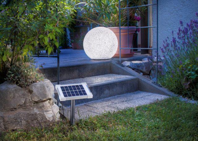 освещение входа фонарем на солнечной батарее