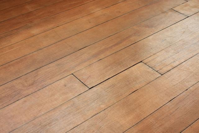 деревянный дом в частном доме