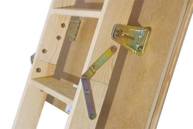 складная лестница из сосны с прочной фурнитурой