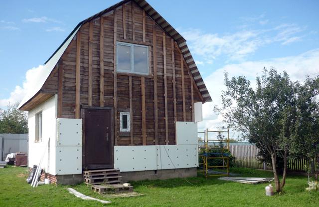 утепление стен деревянного дома пенопластом