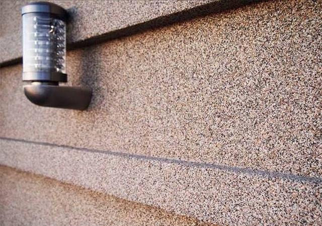 отделка дома мозаичным керамогранитом