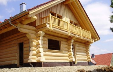 деревянный дом ручной рубки