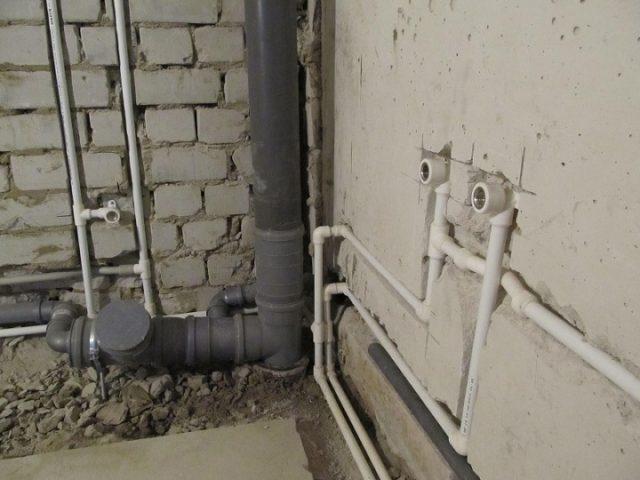 прокладка труб водопровода