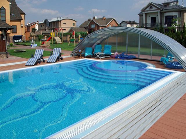 переливной бассейн на загородном участке