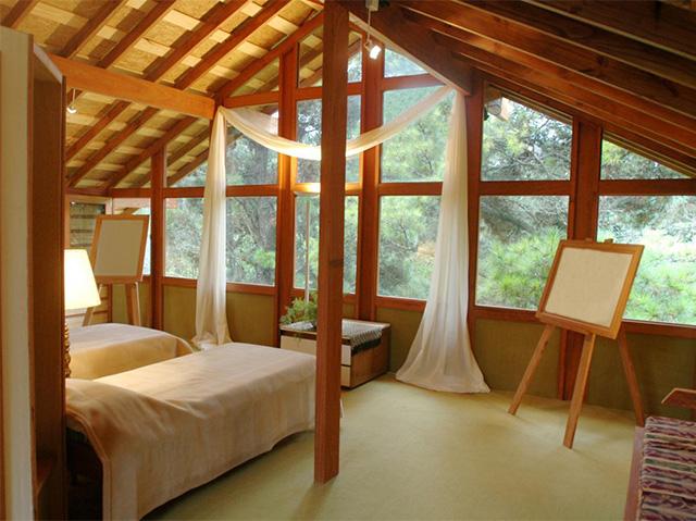 дизайн комнаты отдыха на мансардном этаже