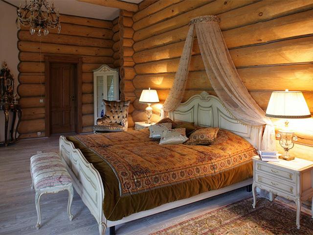стиль прованс в деревянном доме из бревна