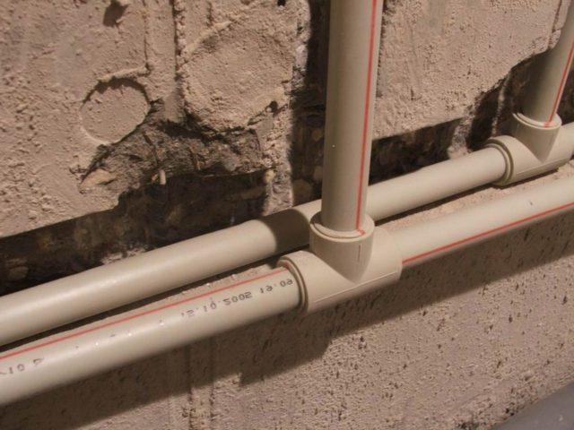 скрытая прокладка трубопровода