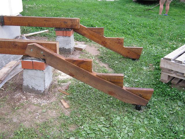 Сделать деревянное крыльцо своими руками 33