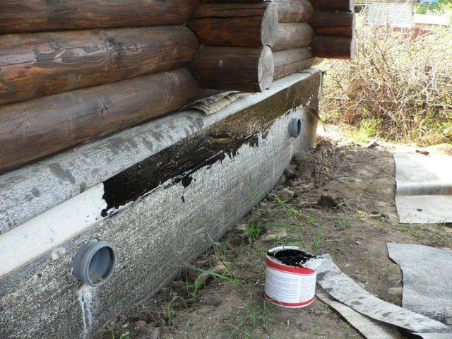гидроизоляция фундамента деревянного дома
