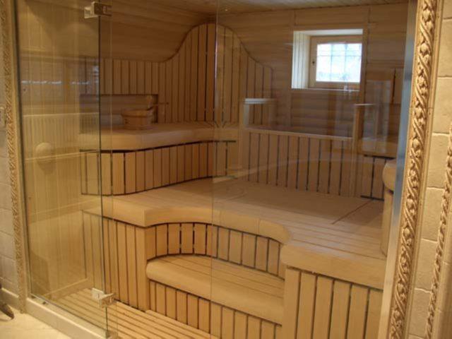 раздвижная стеклянная дверь в баню