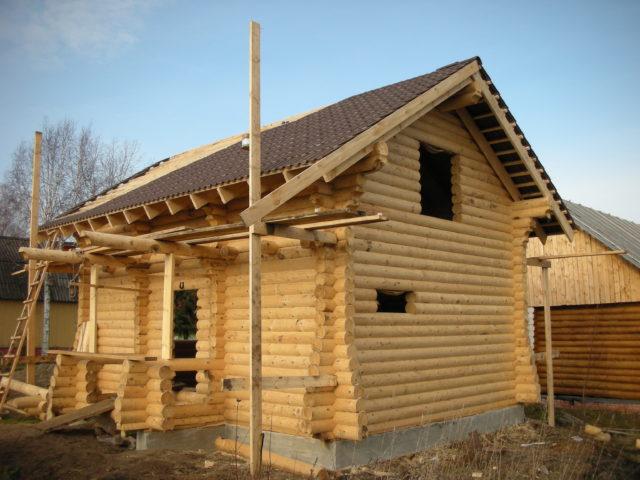 строительство загородного дома из бревна