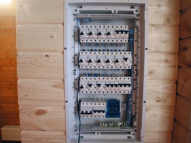 монтаж электричества в частном доме
