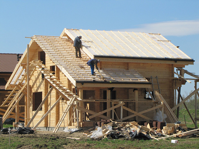 установка крыши для дома из бруса