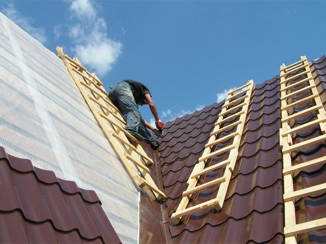 крыша из металлочерепицы для деревянного дома