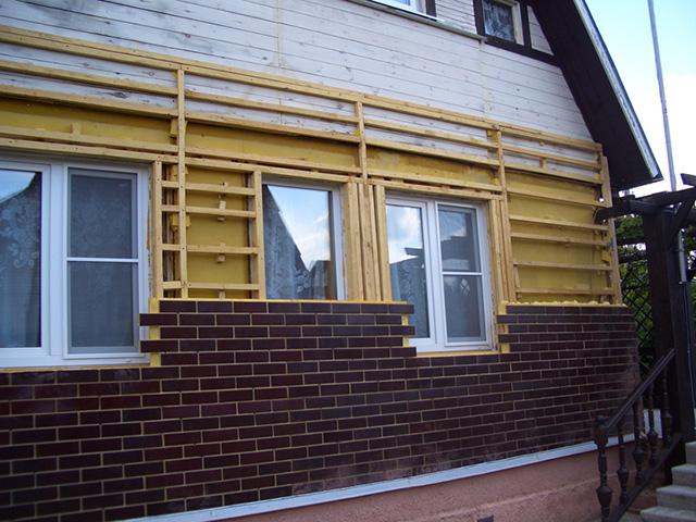 кирпичные панели для деревянного дома