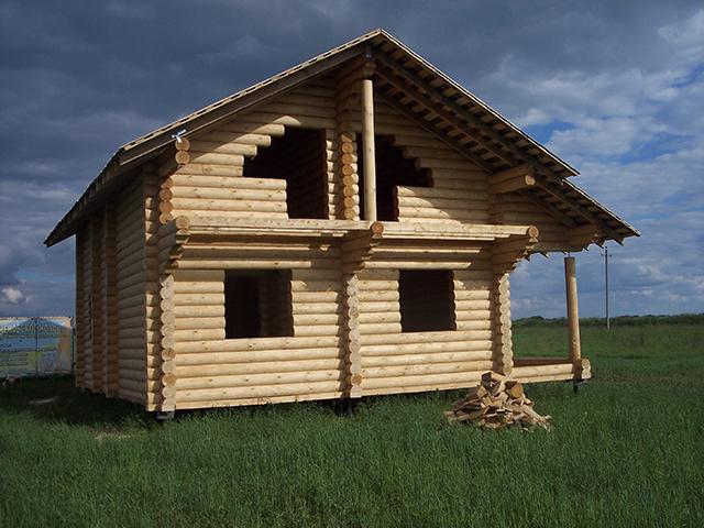 дом из оцилиндрованного бревна от компании марисруб