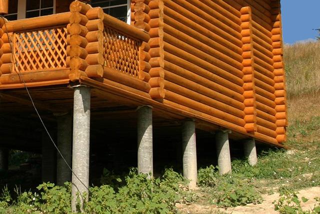 столбчатый фундамент для дома из бревна