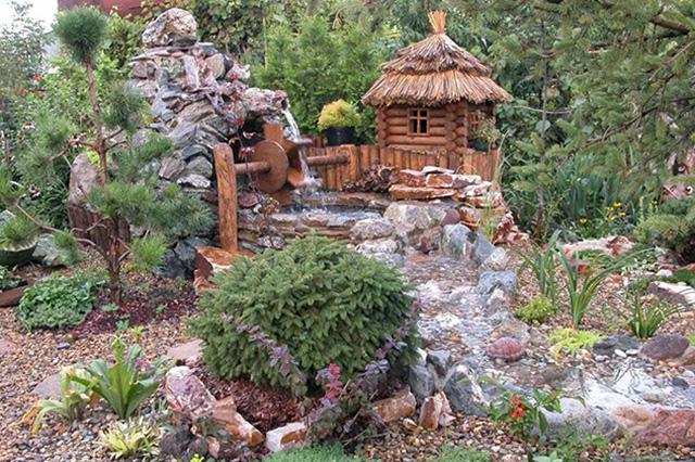 оформление сада на участке со склоном