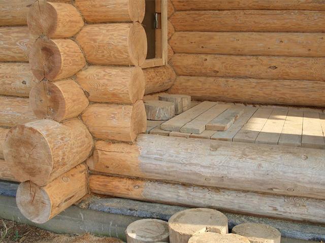 защитная обработка деревянного дома из бревна